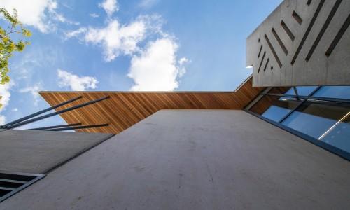 7220-02-Pinehurst School Library_Entry feature